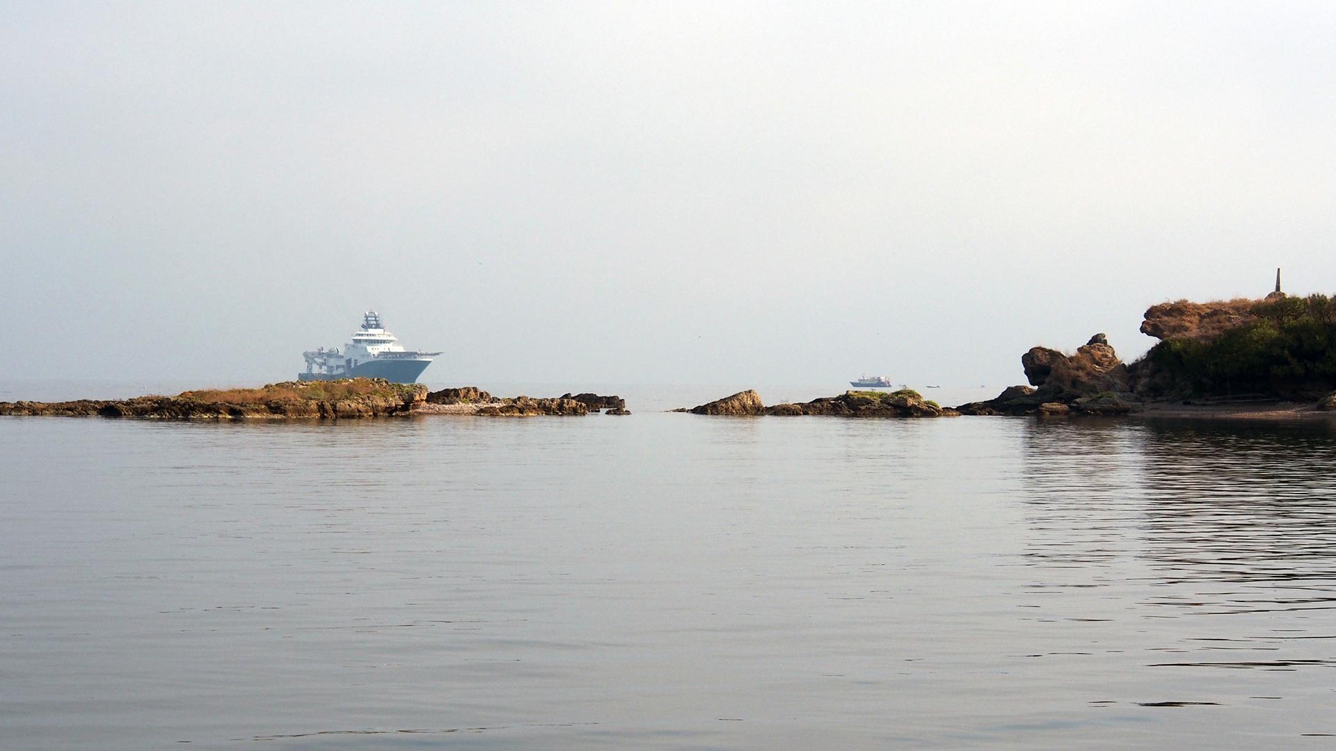 прогулка на парусной яхте корабль фото